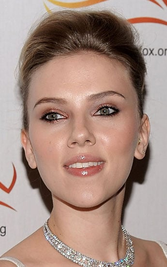 How To Do Scarlett Johansson's Makeup From The Michael J. Fox Foundation Benefit