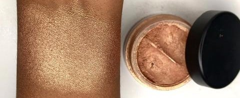 This Otherworldly Rose Gold Highlighter Was Created For Deep Skin Tones
