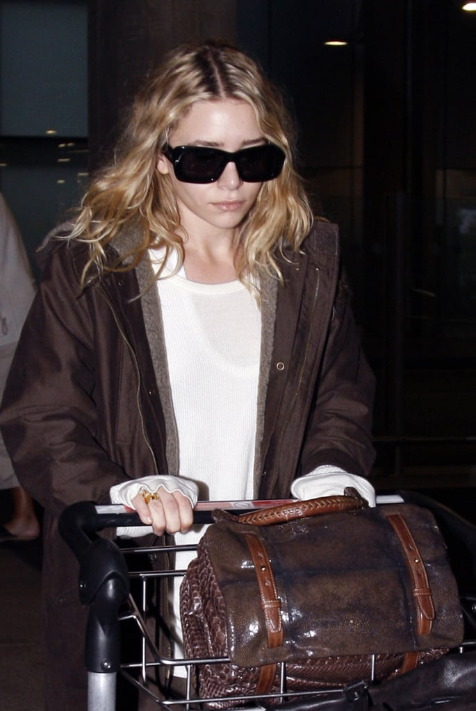 08/10/08 Mary-Kate And Ashley Olsen At Heathrow Airport