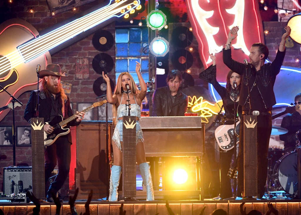 "After taking a quick sip from her red Solo cup onstage at the Academy of Country Music Awards on Sunday night, Maren Morris delivered a performance of ""All My Favorite People"" that solidifies why she's one of country's most talented new stars.  The 28-year-old belted out the hit from her latest album, Girl, alongside the Brothers Osborne. Together on a stage decorated like Nashville's Santa's Pub, the three sang all about drinking on Tuesday nights, mixing their liquor with Crystal Light, and ""back porch sittin' kind of therapy."" Check out a few brief clips from Morris and Brothers Osborne's performance ahead, and then keep scrolling to see some of the coolest photos from their set!      Related:                                                                                                           Miranda Lambert Electrifies the ACM Awards With a Powerful Medley of Her Biggest Hits"
