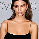Emily Ratajkowski's Makeup at Golden Globes 2018