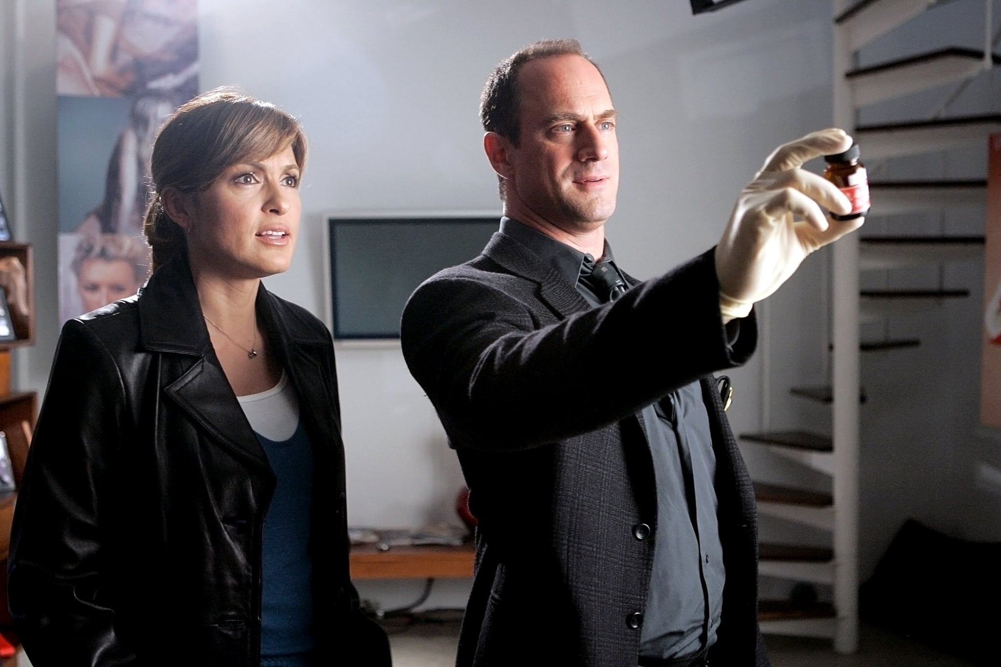 LAW & ORDER: SPECIAL VICTIMS UNIT: Mariska Hargitay, Christopher Meloni, (Season 8, November 28, 2006), 1999-,. Photo: Virginia Sherwood  NBC / Courtesy Everett Collection