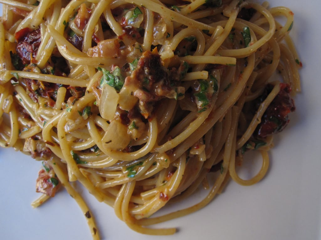 Spaghetti With Creamy Sun-Dried Tomato Sauce Recipe 2010-10-07 11:13:36