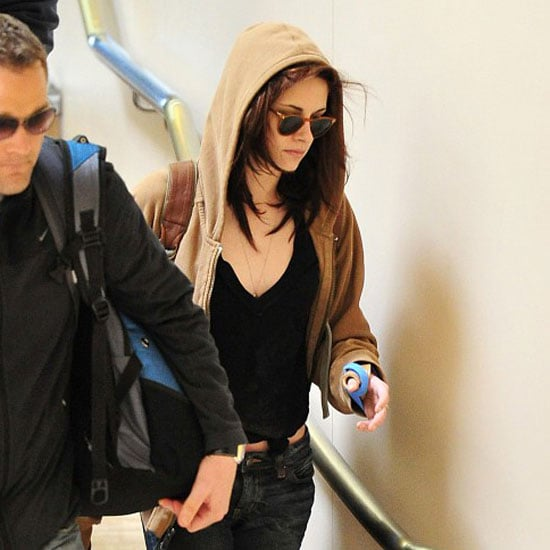 Pictures of Kristen Stewart Wearing Cast at LAX