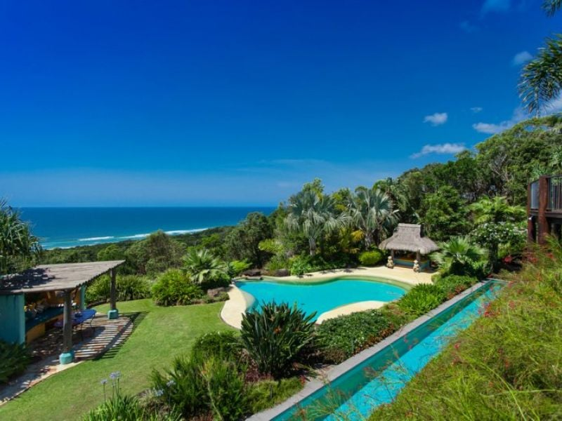 We Really Want to Holiday at Chris Hemsworth's Byron Bay Home