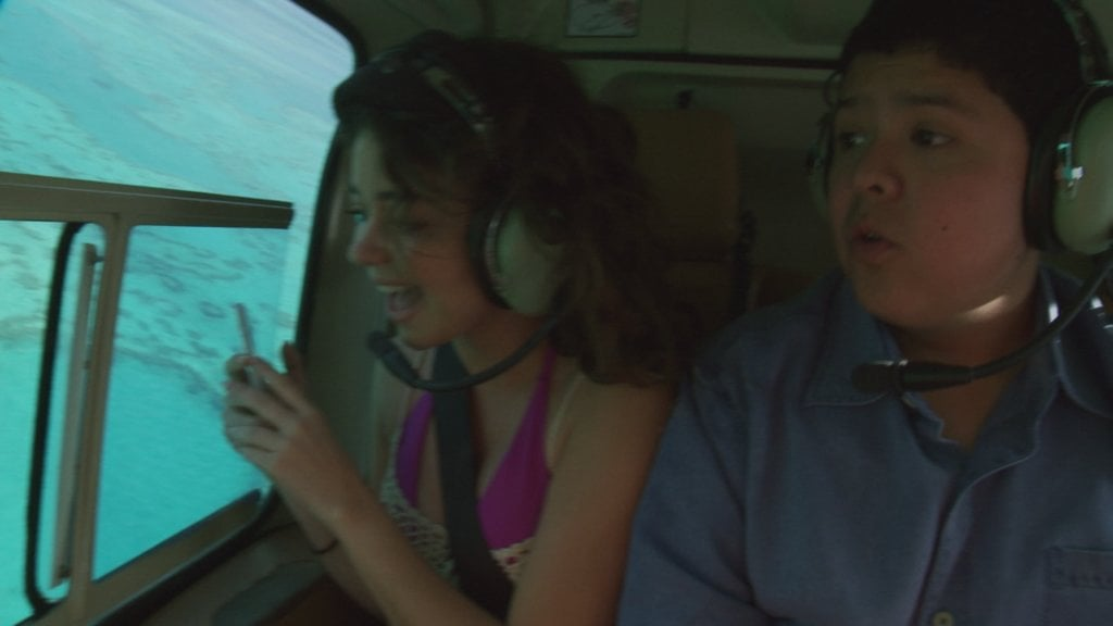 Haley and Manny take in the Great Barrier Reef from above. Source: Network Ten
