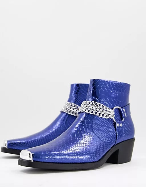 ASOS Design Western Chelsea Boots in Blue Patent With Silver Chain
