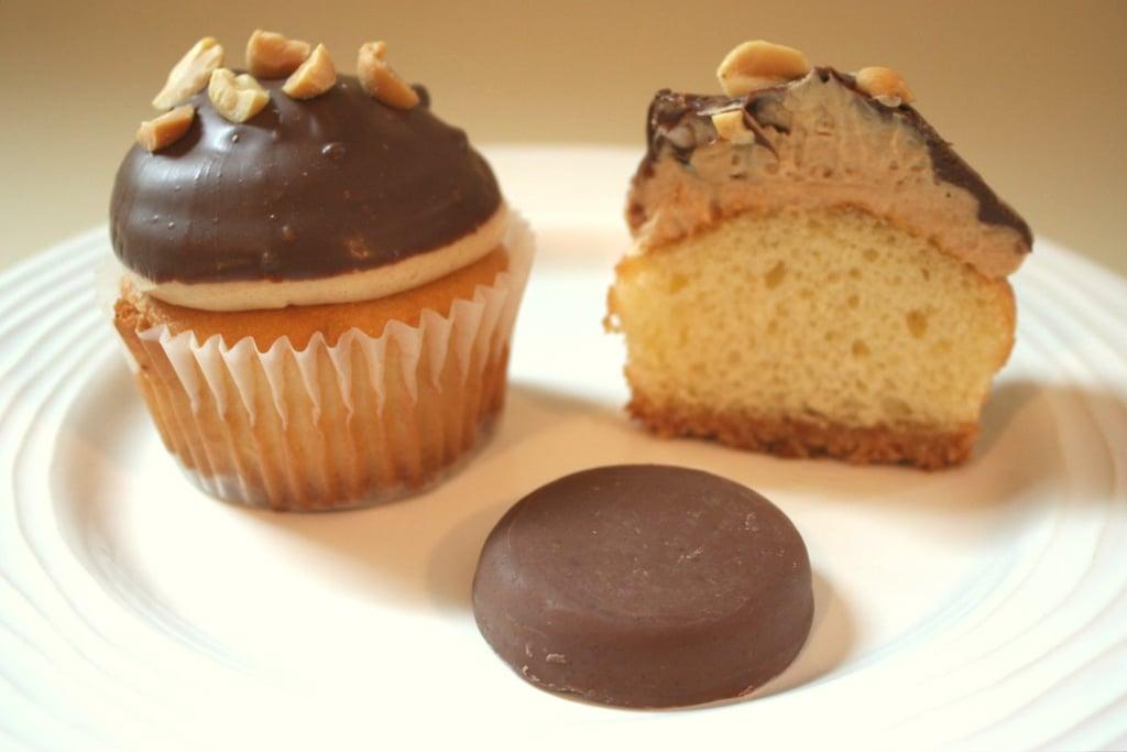 Tagalong Cupcakes: Version 1