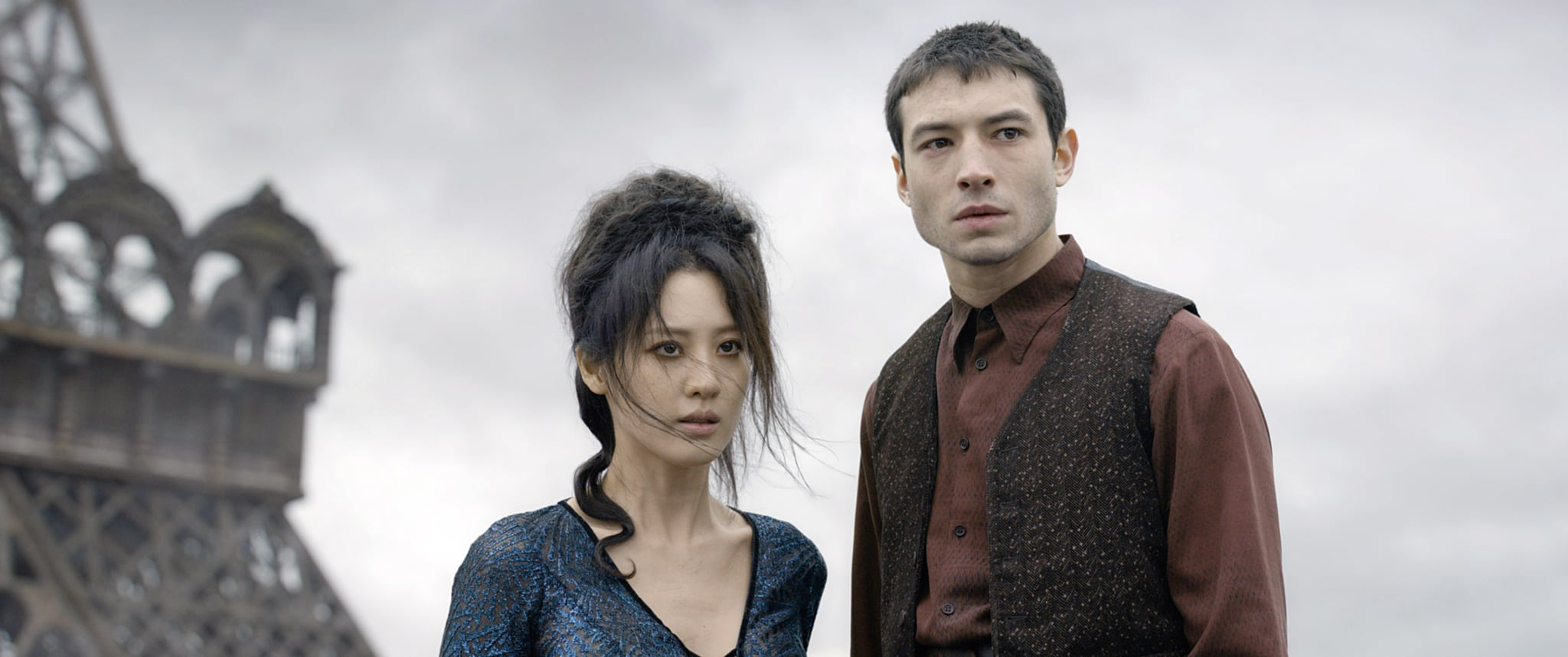 FANTASTIC BEASTS: THE CRIMES OF GRINDELWALD, from left: Claudia Kim, Ezra Miller, 2018.  2018 Warner Bros. Ent.  All Rights Reserved.Wizarding WorldTM Publishing Rights  J.K. Rowling WIZARDING WORLD and all related characters and elements are trademarks of and  Warner Bros. Entertainment Inc. /Courtesy Everett Collection
