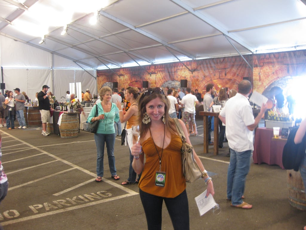 There were no lines in the wine tasting tent.