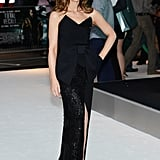 Kate Beckinsale posed with her hand on her hip.