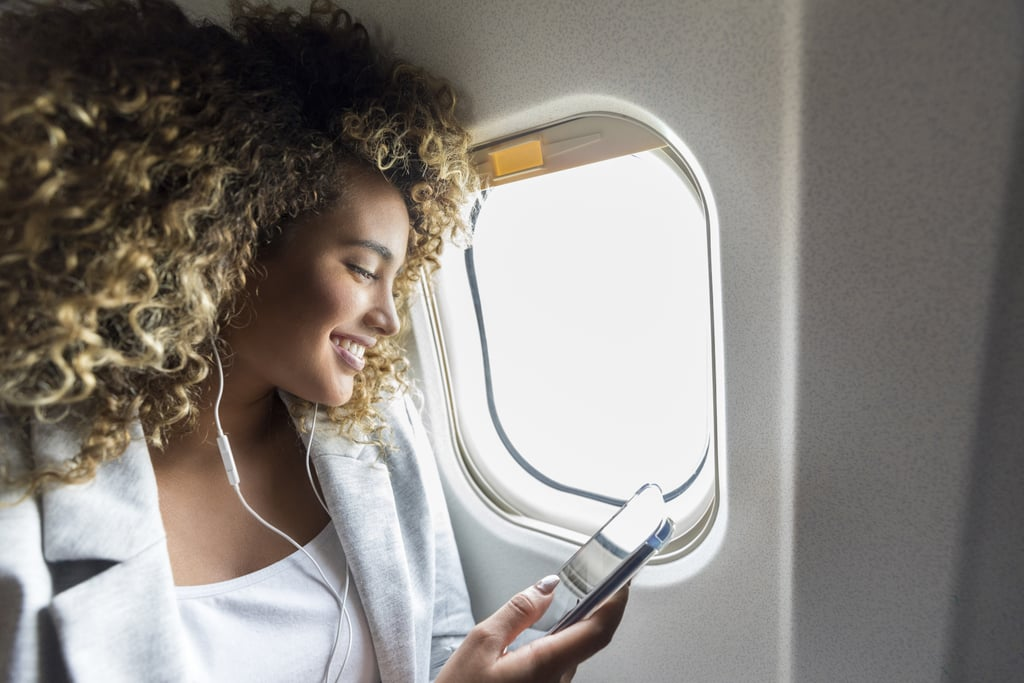 How to Send Messages on an Airplane Using AirDrop