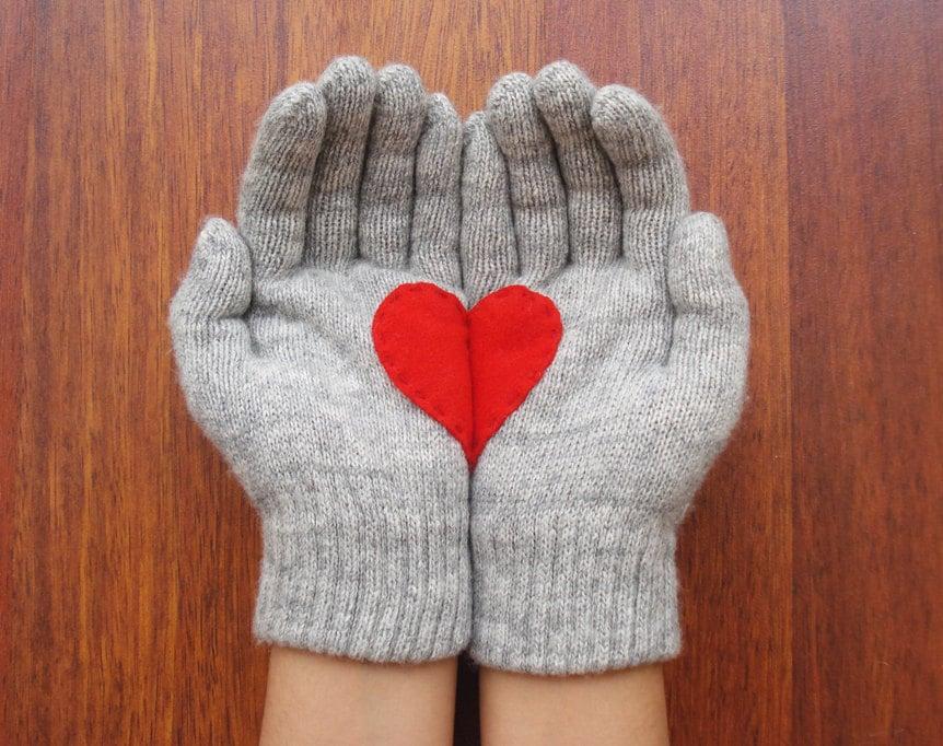 Yastikizi Heart Mittens