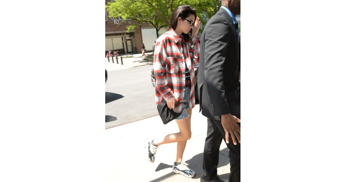 6e75dd602afb Kendall went peak '90s in May 2018, wearing her Prada piece with a | Kendall  Jenner Bag Style | POPSUGAR Fashion Photo 8