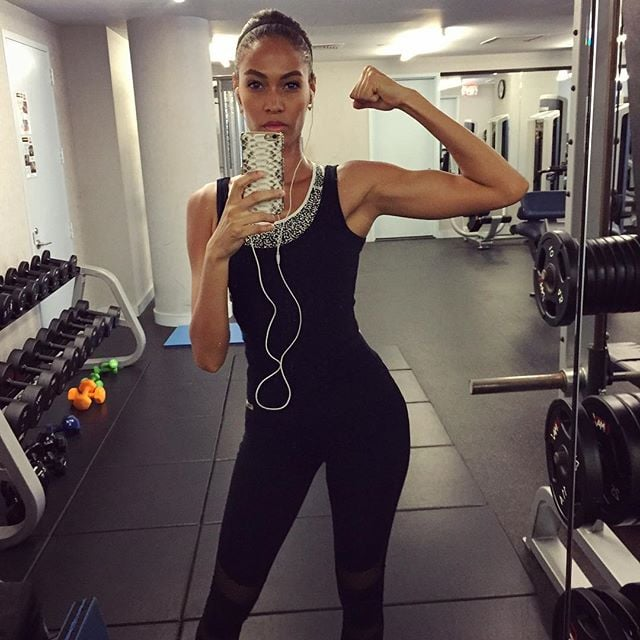 Fit Ladies Who Work Out And Have: Joan Smalls's Selfies
