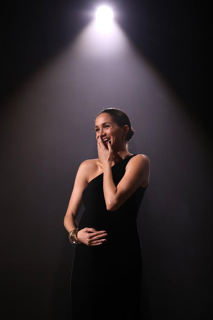 طلاء أظافر ميغان ماركل الأسود في حفل جوائز الأزياء 2018