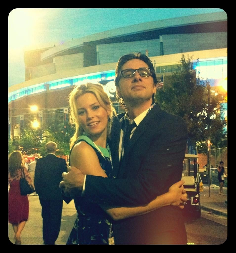 Elizabeth Banks hung out with a dapper Zach Braff at the DNC. Source: Twitter user ElizabethBanks