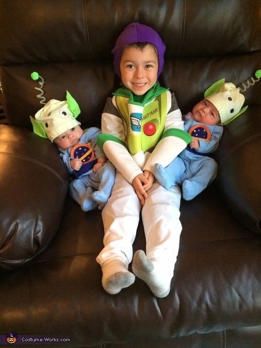 Buzz Lightyear and Aliens  sc 1 st  Popsugar & Buzz Lightyear and Aliens | Matching Sibling Costumes For Kids ...