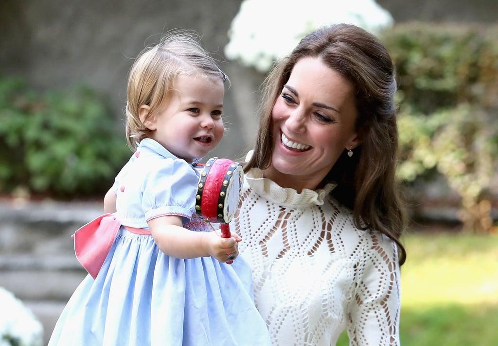Princess Charlotte saat digendong ibunya, Kate Middleton | PopSugar