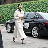 حذاء مُدبّب من المقدّمة ليبرز جمال معطفك النسائي.