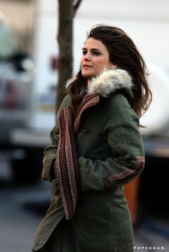 Keri Russell tucked her hands in her pockets on set.