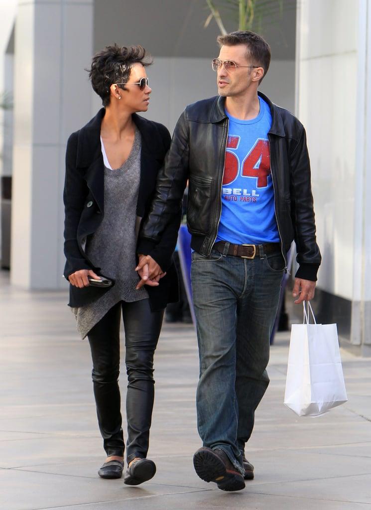 Halle Berry and Olivier Martinez held hands.