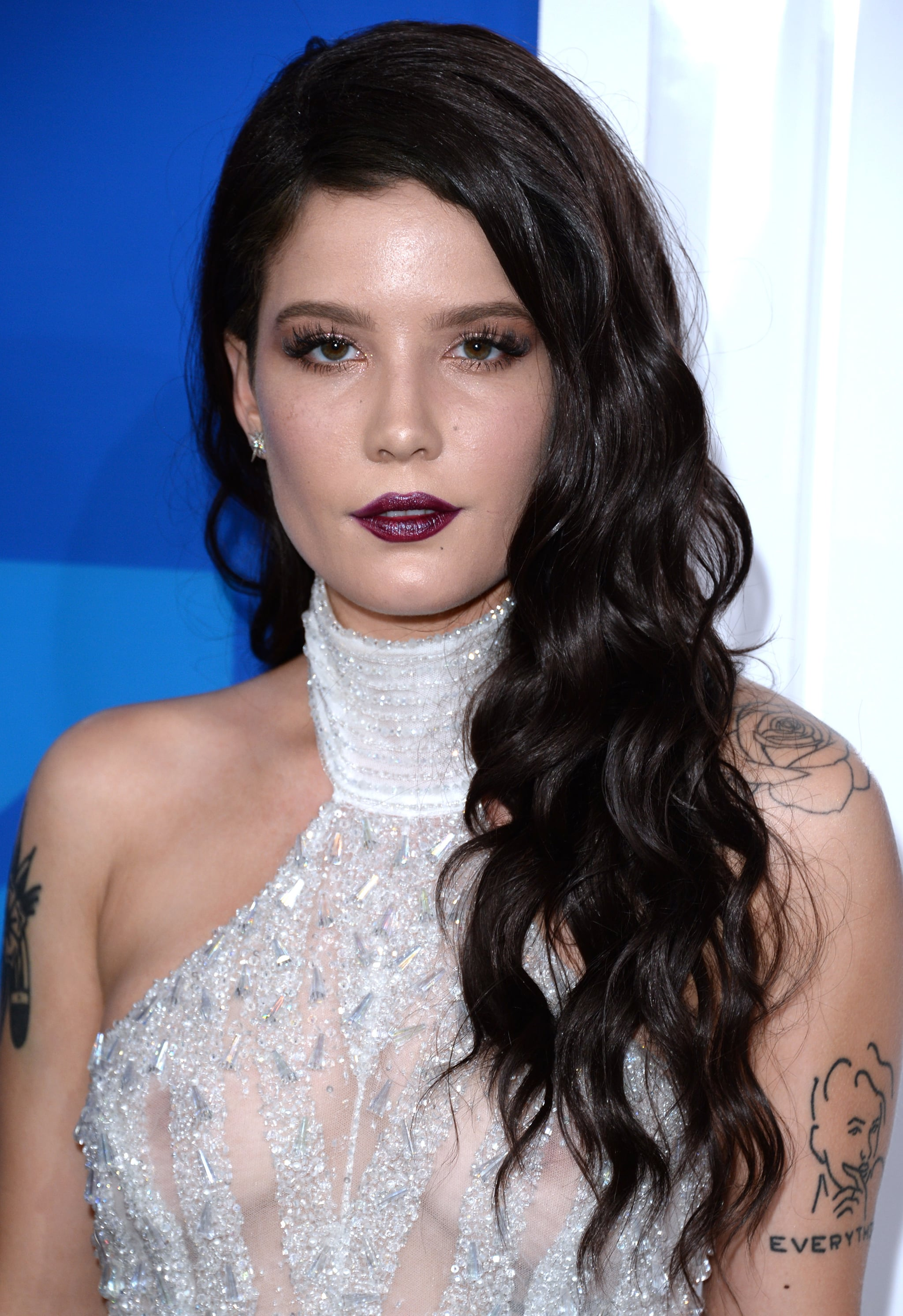 Halsey With Long Black Waves Halsey Has Now Dyed Her Hair