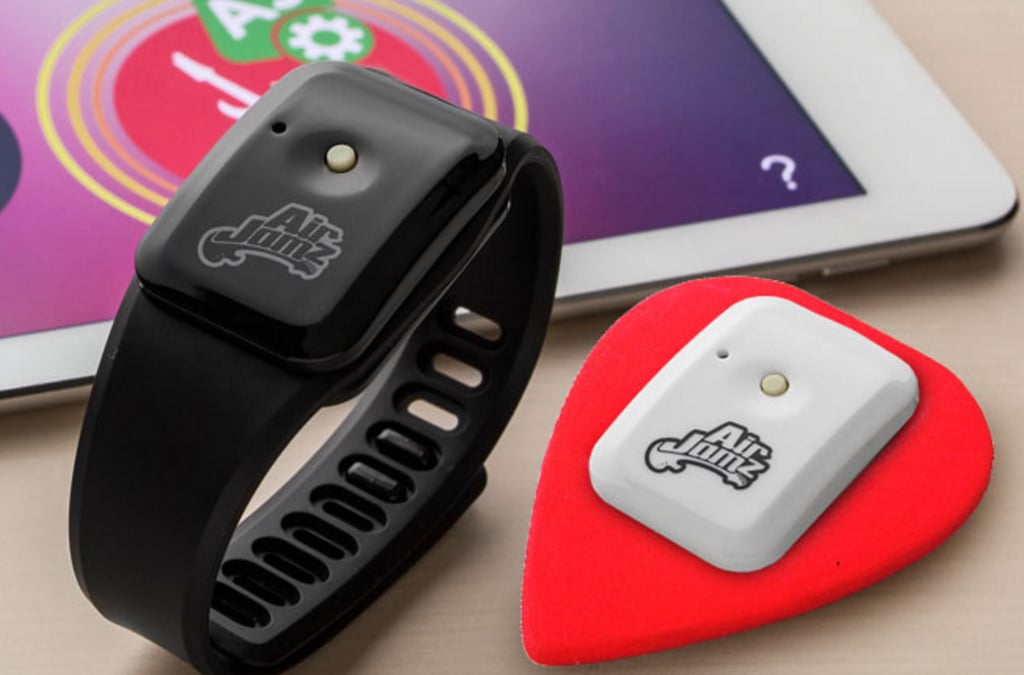 An Electric Pick That Lets You Jam Without the Guitar