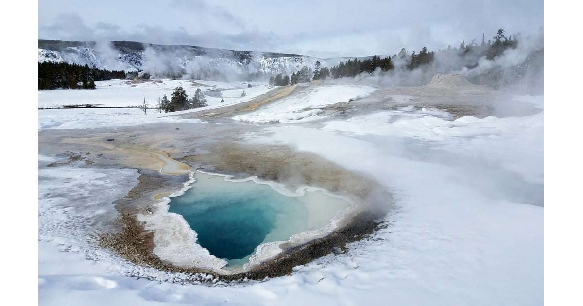 Wyoming yellowstone national park best winter travel for Winter vacation spots in the us