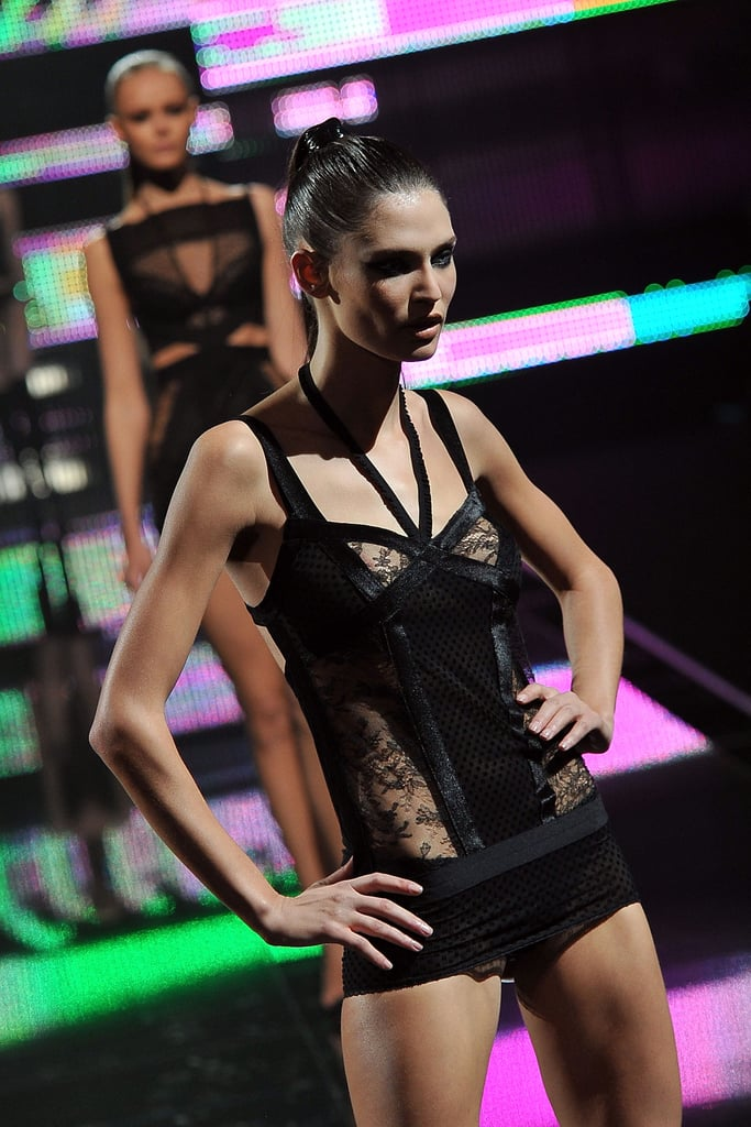 Etam S/S 2011 Show: See All The On Stage Action!