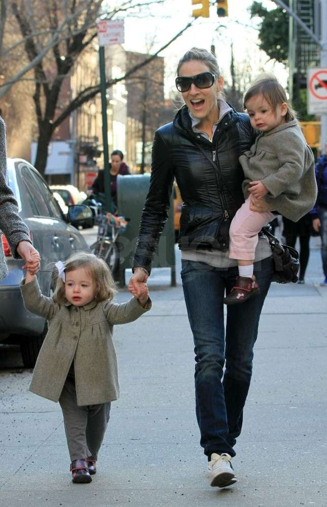 Sarah Jessica Parker and Her Twin Daughters Take a Cute Stroll Through NYC