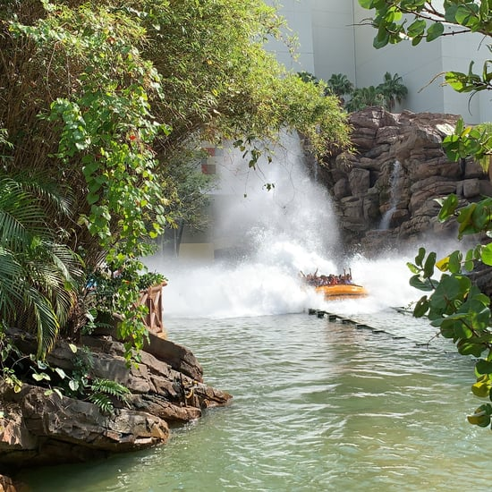 How to Stay Cool in a Theme Park This Summer