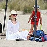 Gwen Stefani played in the sand with Zuma Rossdale.