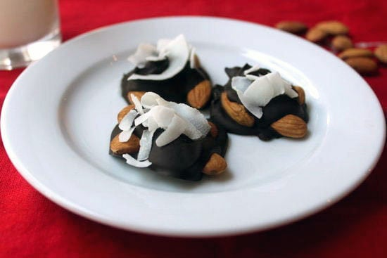 Recipe For Paleo, Gluten-Free Dark Chocolate Nut Clusters