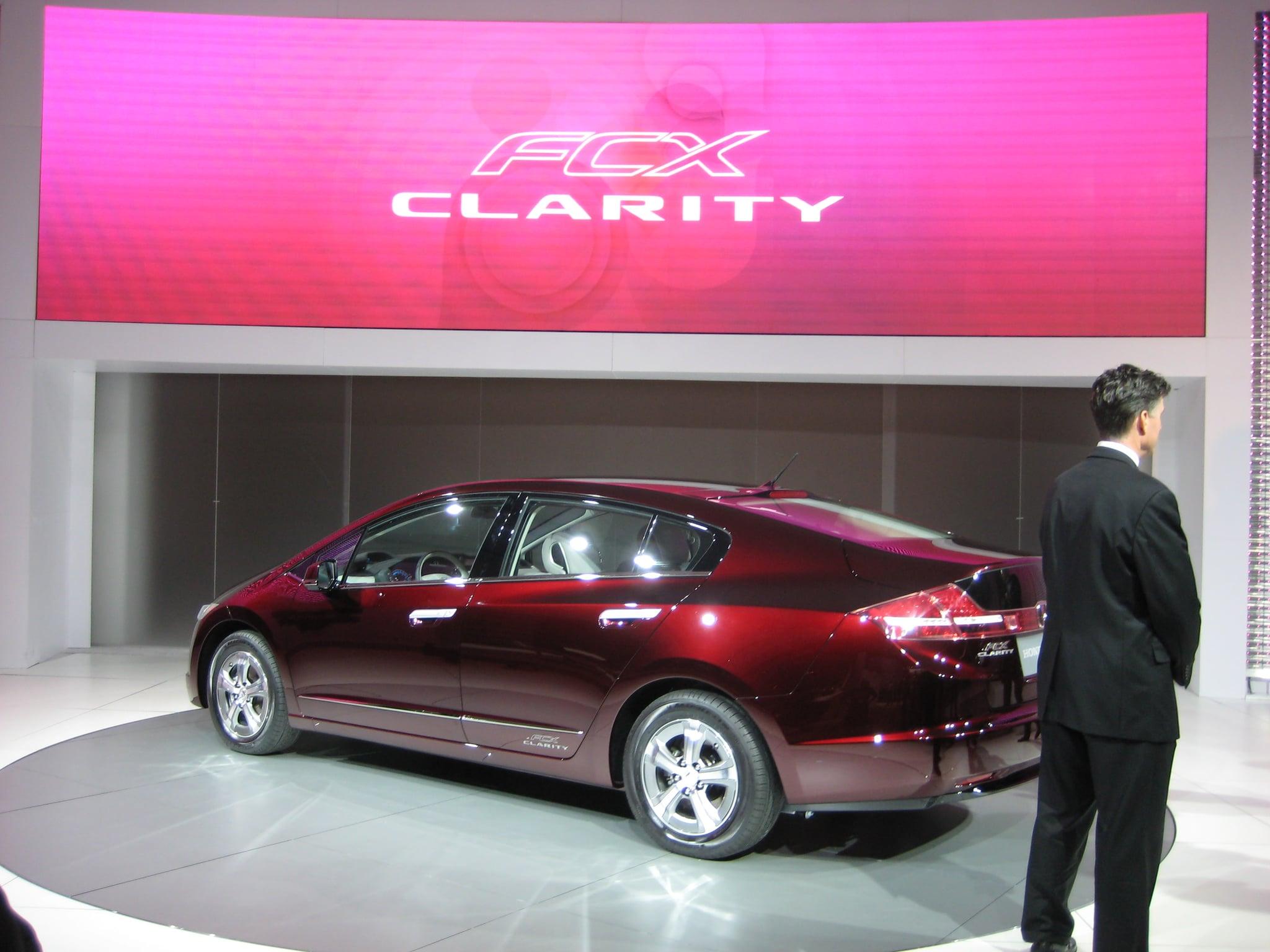 LA Auto Show Highlight: Honda's 2009 FCX Clarity