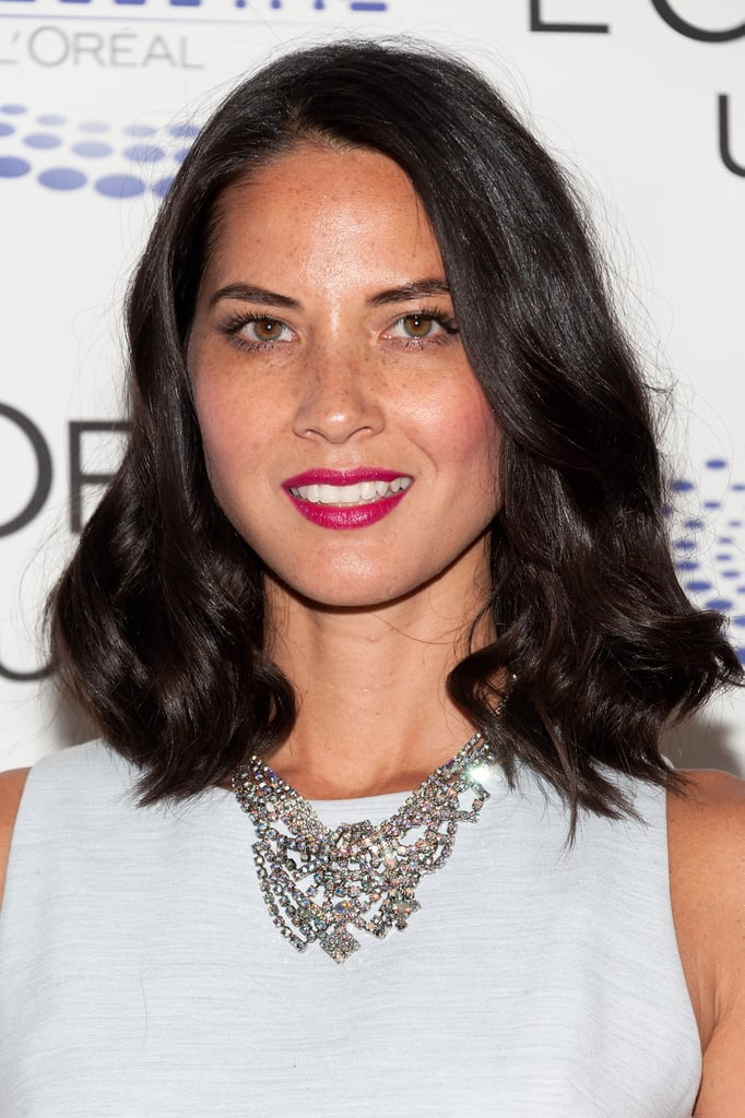 At the L'Oréal USA Women in Digital Next Generation Awards, Olivia Munn styled her shoulder-length hair in a loose waves and added a berry lipstick for a sophisticated look.
