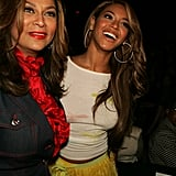 In February 2005, House of Dereon designers Beyoncé and Tina attended the Oscar De La Renta Fall fashion show in New York City.