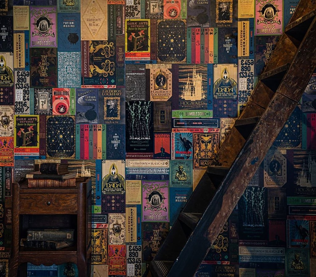 Hogwarts Library Book Covers Wallpaper