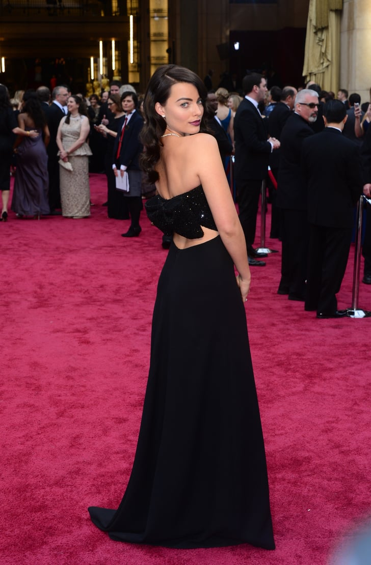 Margot Robbie Puts a Bow on It