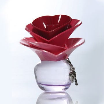 Justin Bieber's New Perfume, Someday, Looks Similar to Marc Jacobs Lola
