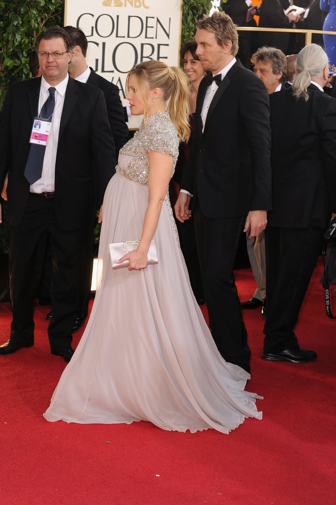 A pregnant Kristen Bell and Dax Shepard walked the Golden Globes red carpet.