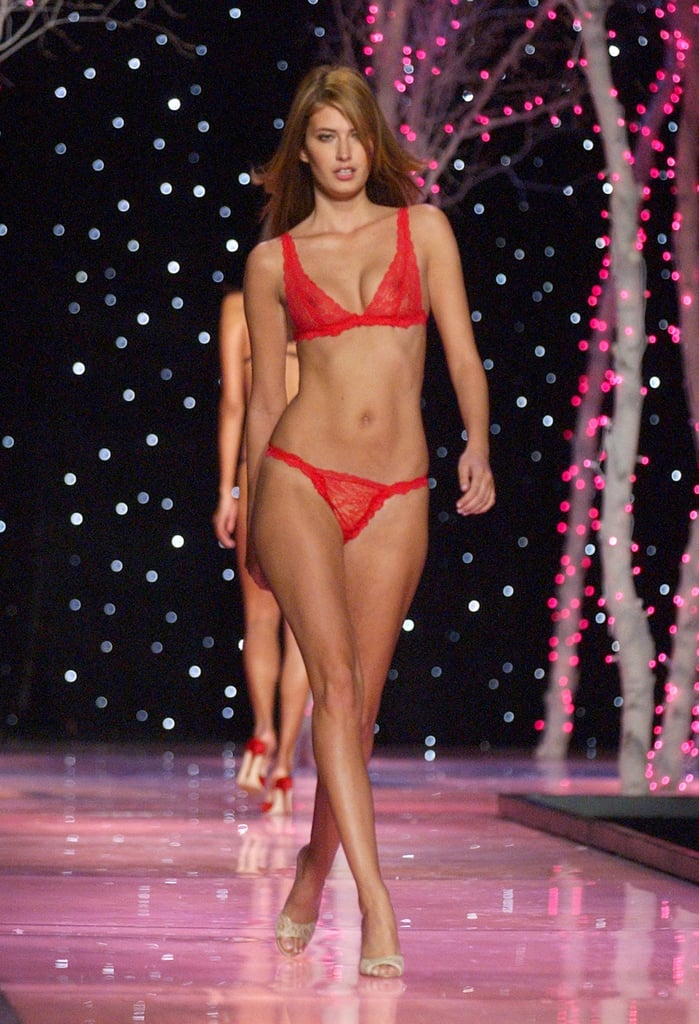 Mark Wahlberg's now-wife Rhea Durham walked the 2001 runway in sexy red lace.