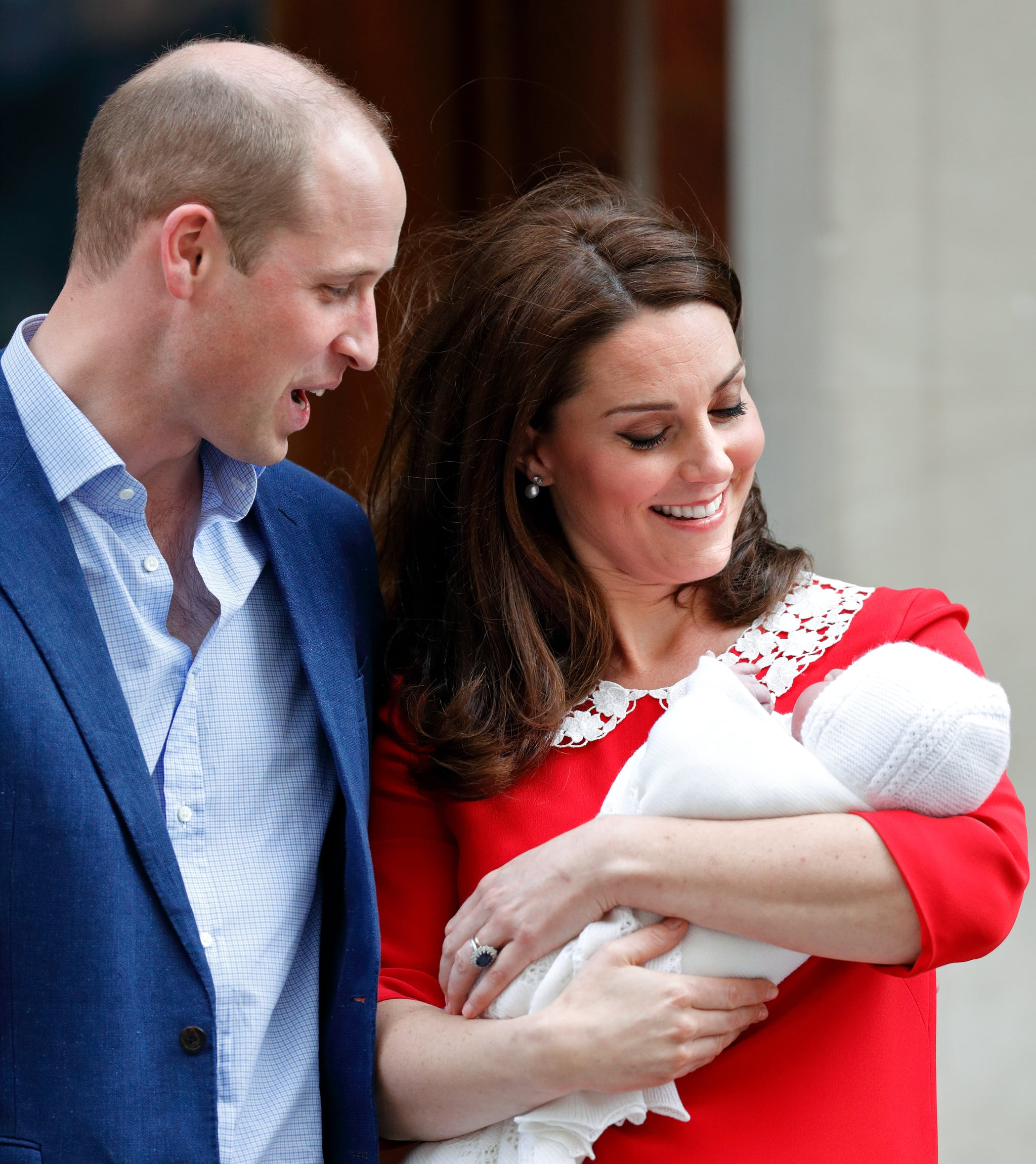 LONDON, UNITED KINGDOM - APRIL 23: (EMBARGOED FOR PUBLICATION IN UK NEWSPAPERS UNTIL 24 HOURS AFTER CREATE DATE AND TIME) Prince William, Duke of Cambridge and Catherine, Duchess of Cambridge depart the Lindo Wing of St Mary's Hospital with their newborn baby son on April 23, 2018 in London, England. The Duchess delivered a boy at 11:01 am, weighing 8lbs 7oz, who will be fifth in line to the throne. (Photo by Max Mumby/Indigo/Getty Images)