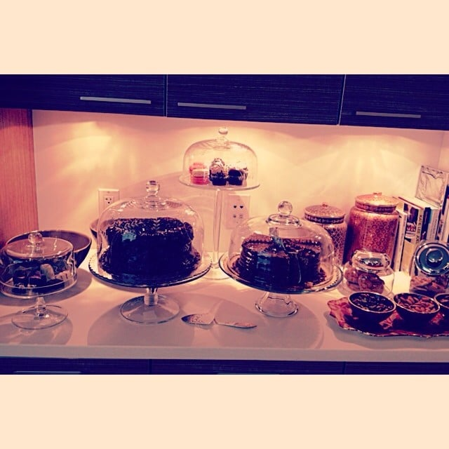 """Rachel Zoe's team shared a picture of Sofia Vergara's kitchen, where there was """"not a green juice in sight."""" Source: Instagram user rachelzoestudio"""