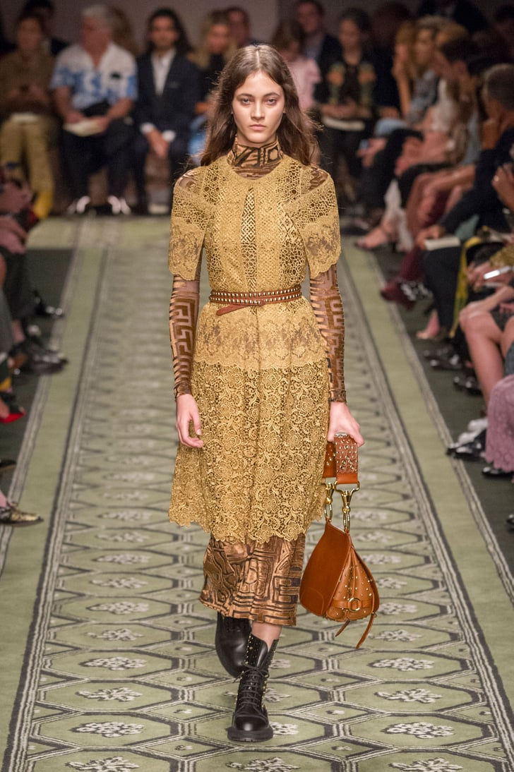 Burberry show at london fashion week september 2016 burberry runway show september 2016 - Burberry fashion show ...