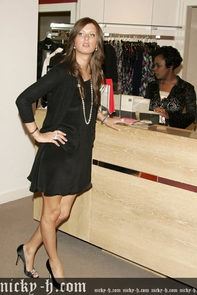 Nicky_Hilton_Visits_Saks_Fifth_Avenue_s_Key_to_the_Cure_Benefit_024