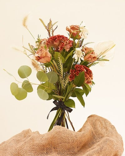 OLIVEE Floral Bouquet