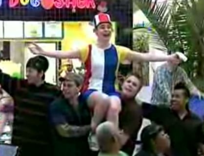 Improv Everywhere Stages a Food Court Musical