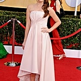 Sarah Hyland looked beautiful in a Pamella Roland dress.