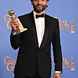 Oscar Isaac's Golden Globes Smile Is Positively Contagious